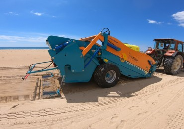 How can the municipalities guarantee the sanitary safety of the sand area of their beaches and surpass the fear of losing the touristic summer season?